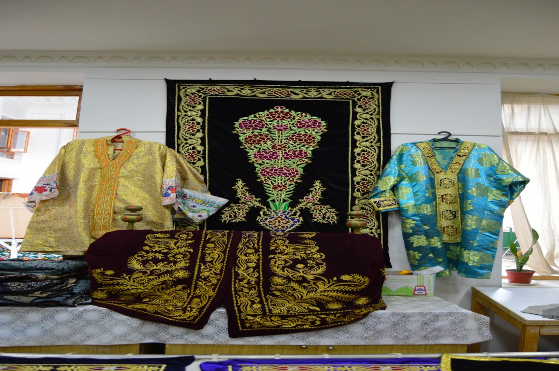 Uzbek suits with gold embroidery